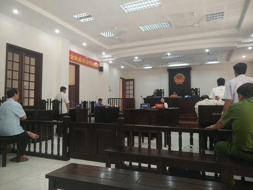 Một nông dân kiện UBND tỉnh Vĩnh Long: Tòa phúc thẩm hoãn phiên toà - Ảnh 2