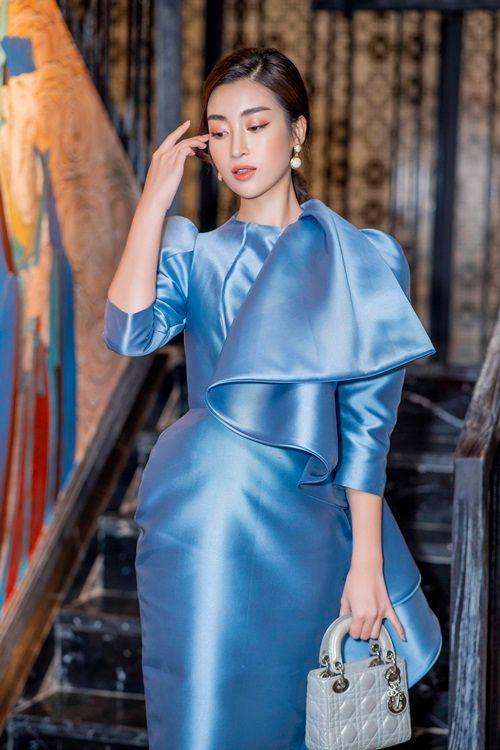 Á hậu Huyền My cực gợi cảm khi đọ dáng cùng Hoa hậu Mỹ Linh - Ảnh 7