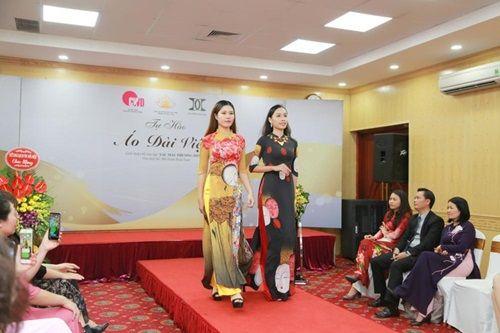 Văn hóa Việt gây ấn tượng trên những tà áo dài ngàn đô - Ảnh 2