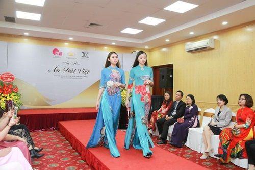 Văn hóa Việt gây ấn tượng trên những tà áo dài ngàn đô - Ảnh 4