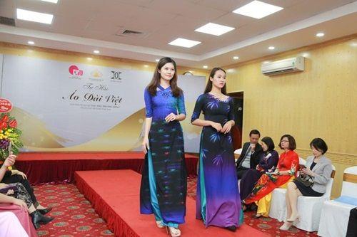 Văn hóa Việt gây ấn tượng trên những tà áo dài ngàn đô - Ảnh 5
