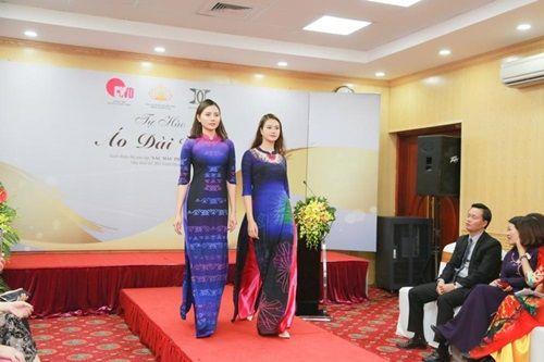 Văn hóa Việt gây ấn tượng trên những tà áo dài ngàn đô - Ảnh 6