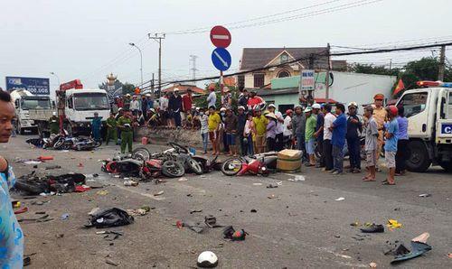 Vụ tai nạn kinh hoàng ở Long An: Cần làm rõ thời điểm tài xế sử dụng rượu và ma túy  - Ảnh 1