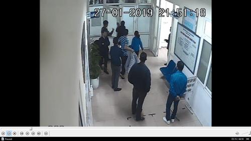 Hải Dương: Nhóm côn đồ xông vào bệnh viện để tiếp tục truy sát nạn nhân - Ảnh 2
