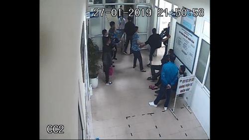 Hải Dương: Nhóm côn đồ xông vào bệnh viện để tiếp tục truy sát nạn nhân - Ảnh 3