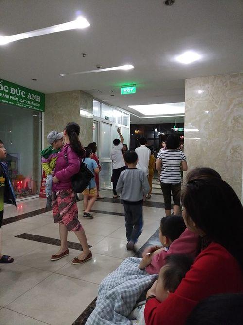 Hà Nội: Chập điện, chung cư cháy lớn lúc nửa đêm khiến nhiều người hoang mang - Ảnh 1