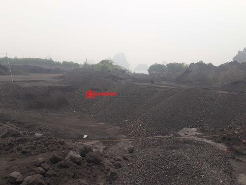 """Bãi đổ xít than Công ty Tuyển than Cửa Ông, Quảng Ninh: """"Lãnh địa"""" bất khả xâm phạm? - Ảnh 2"""