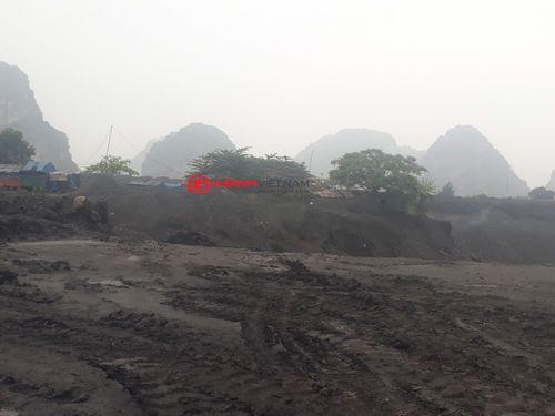"""Bãi đổ xít than Công ty Tuyển than Cửa Ông, Quảng Ninh: """"Lãnh địa"""" bất khả xâm phạm? - Ảnh 3"""