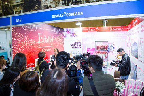 Thương hiệu mỹ phẩm Edally – Coréana hút khách trong ngày đầu của triển lãm Inter Beauty Vietnam - Ảnh 2
