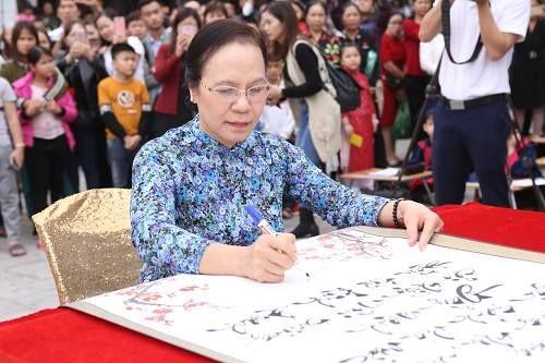 Hải Phòng: Tưng bừng lễ khai bút đầu xuân tại khu tưởng niệm vương triều Mạc - Ảnh 4