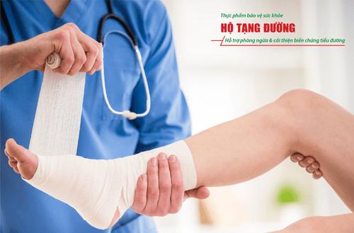 Loét bàn chân tiểu đường: Cách chăm sóc tránh hoại tử, đoạn chi - Ảnh 2