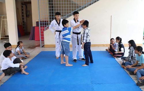 Đà Nẵng: Học sinh được dạy kỹ năng chống xâm hại tình dục - Ảnh 2