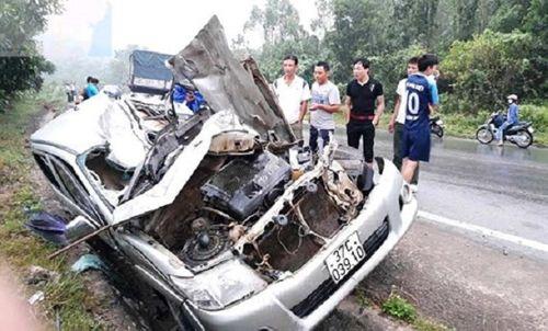 Nghệ An: Va chạm kinh hoàng trên quốc lộ 48, tài xế tử vong tại chỗ - Ảnh 1