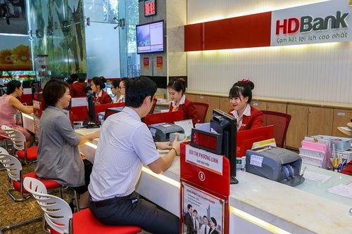Gửi tiết kiệm tại HDBank, tuổi càng cao, ưu đãi càng nhiều - Ảnh 1
