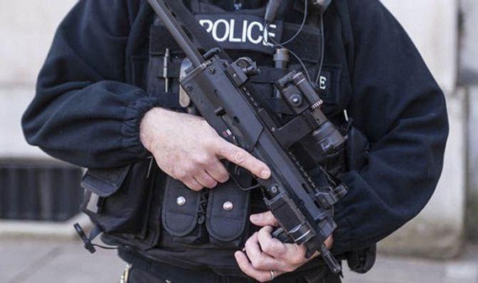 Hơn 100 kẻ khủng bố tiềm năng đi vào nước Anh mỗi tuần