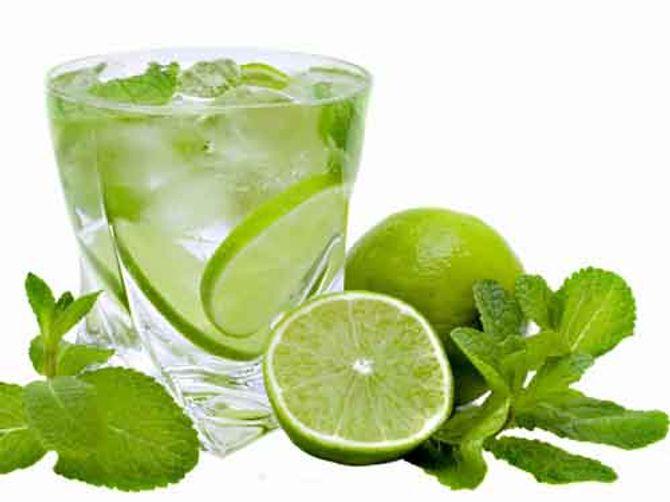 Những tác hại không tưởng khi uống quá nhiều nước chanh