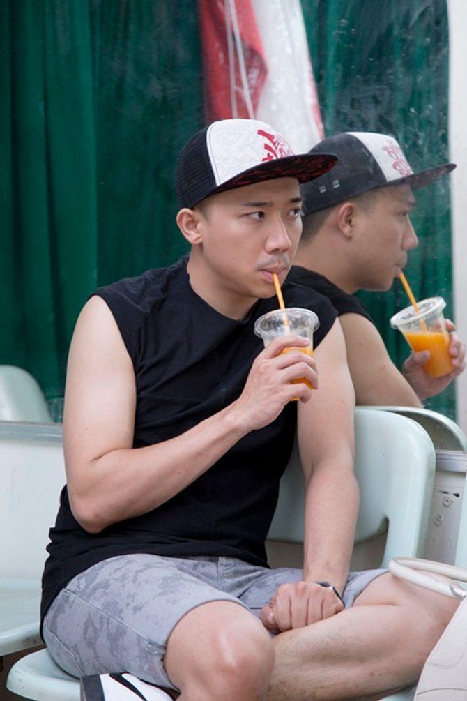 """Trấn Thành tập hát cùng """"mỹ nam"""" Noo Phước Thịnh  - Ảnh 4"""
