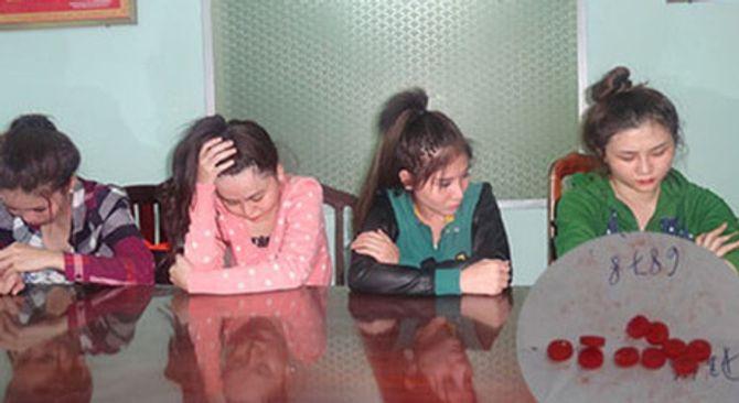 Phát hiện 4 cô gái tuổi 20
