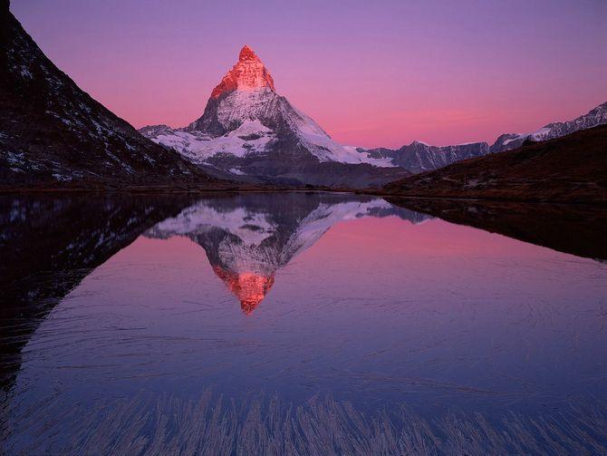 Ngắm những ngọn núi đẹp nhất thế giới này chắc chắn bạn sẽ muốn xách balo lên - Ảnh 1