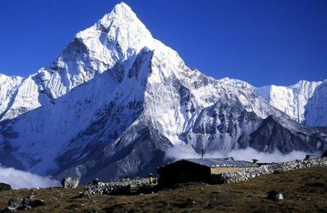 Ngắm những ngọn núi đẹp nhất thế giới này chắc chắn bạn sẽ muốn xách balo lên - Ảnh 4