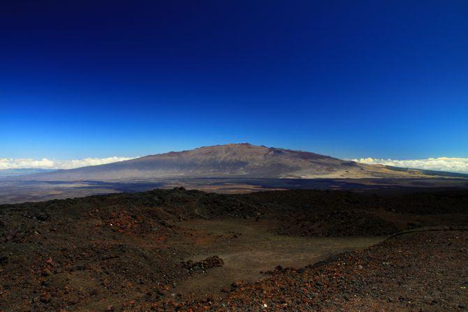 Ngắm những ngọn núi đẹp nhất thế giới này chắc chắn bạn sẽ muốn xách balo lên - Ảnh 9