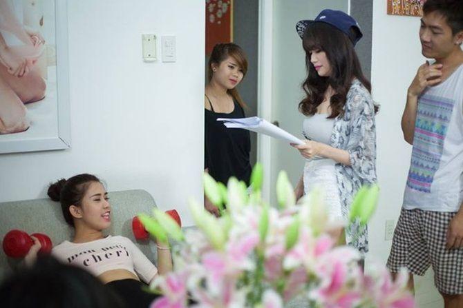 'Căn hộ số 69' tập 2 tung ảnh nóng làm quà chia tay fan - Ảnh 5