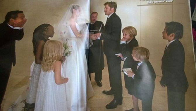Ngắm Angelina Jolie và Brad Pitt hạnh phúc trong lễ cưới - Ảnh 4