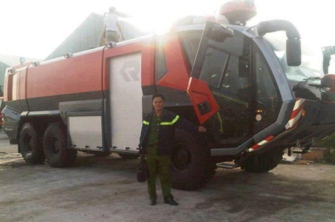 Xe chữa cháy triệu đô về Việt Nam - Ảnh 1