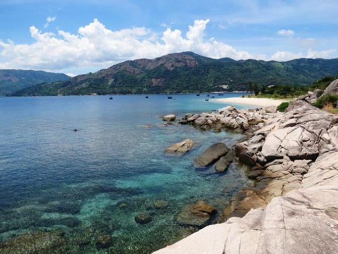 Hòn Nưa - Vùng đảo quyến rũ của biển Đông - Ảnh 1