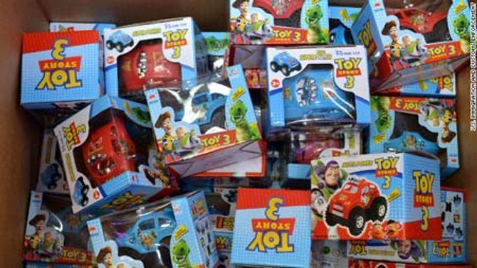 50 trẻ cấp cứu vì hít phải khí độc từ đồ chơi Trung Quốc - Ảnh 1