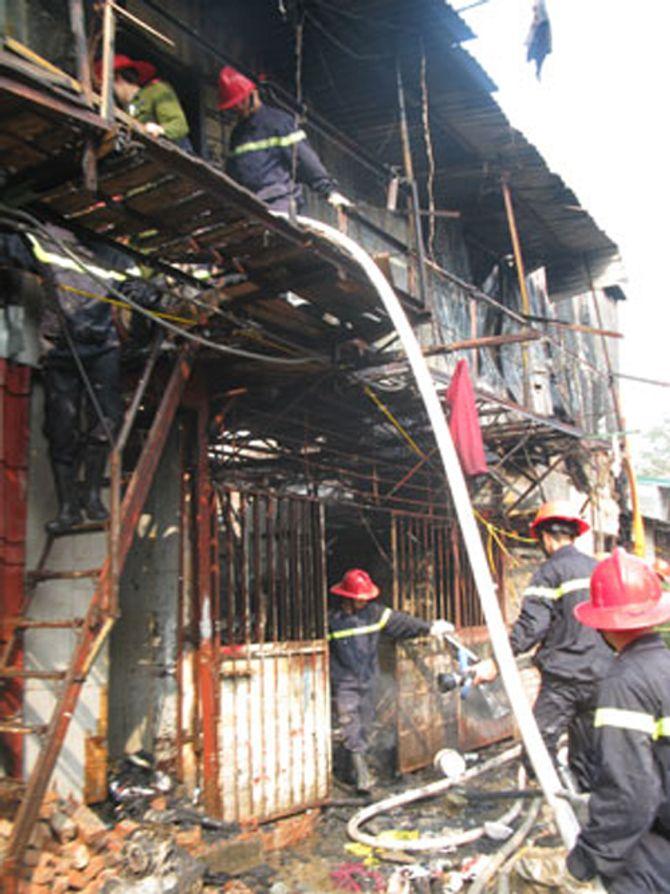 Vụ nữ sinh bị lửa thiêu: Cháy nhà mới thấy… yếu kém của PCCC