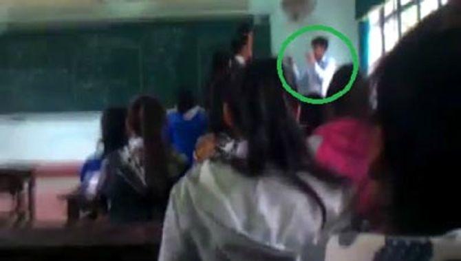 Tréo ngoe thầy giáo 'ngại' học trò - Ảnh 1