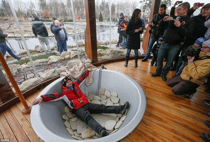 Dinh thự lộng lẫy của Tổng thống Ukraine vừa bị phế truất - Ảnh 6