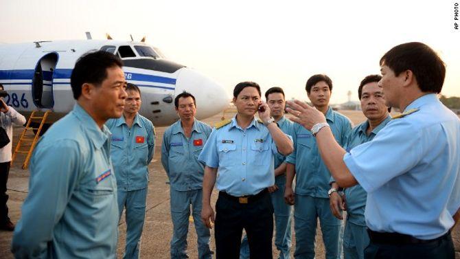 Toàn cảnh cuộc tìm kiếm máy bay Malaysia mất tích qua ảnh - ảnh 4