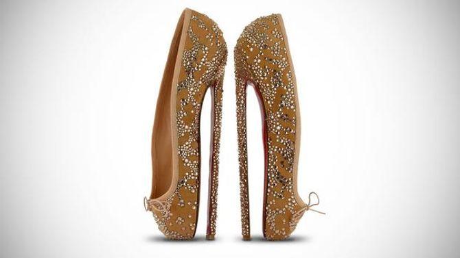 Giày cao gót tôn vinh nét quyến rũ của phái đẹp - Ảnh 3