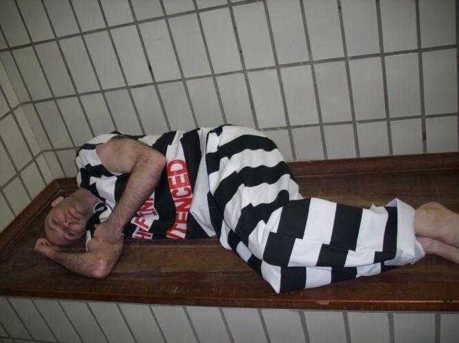 Kinh hoàng tù nhân nam: Bị hiếp dâm, cho thuê như... gái điếm - Ảnh 1