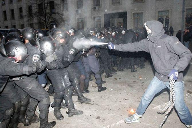 """Tình hình Ukraine có """"mọi dấu hiệu của một cuộc đảo chính"""" - Ảnh 1"""