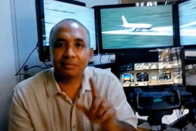 Máy bay Malaysia mất tích: Cơ trưởng là không tặc? - Ảnh 1