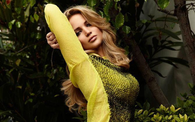 Jennifer Lawrence - ngôi sao hạng A bị lộ ảnh ***