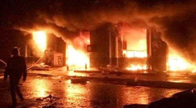 Chợ phố Hiến Hưng Yên cháy lớn trong đêm