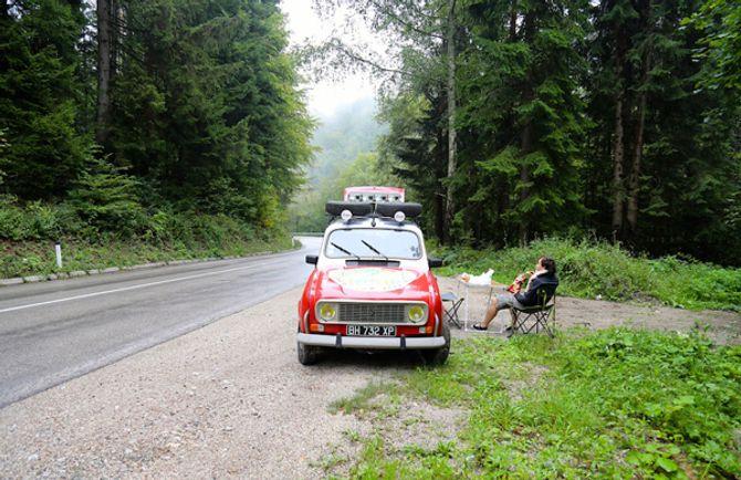 Hai chàng trai Pháp đến Việt Nam trên chiếc Renault 4L - Ảnh 4