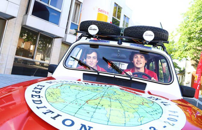 Hai chàng trai Pháp đến Việt Nam trên chiếc Renault 4L - Ảnh 2