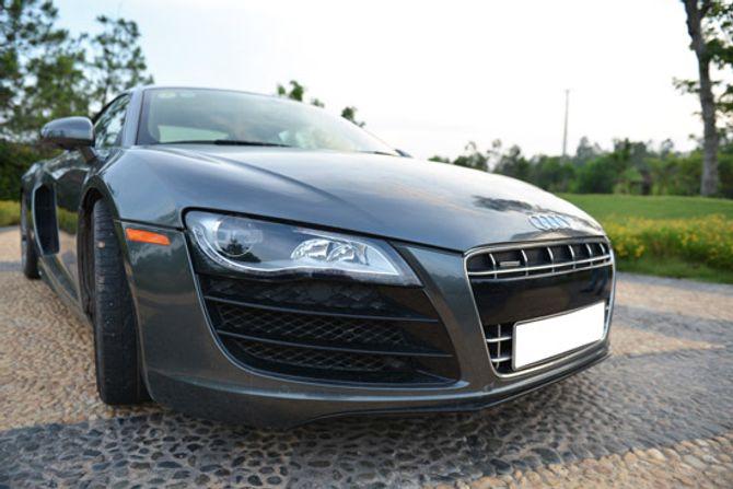 Siêu xe Audi R8 V10 - hàng hiếm tại Việt Nam - Ảnh 2