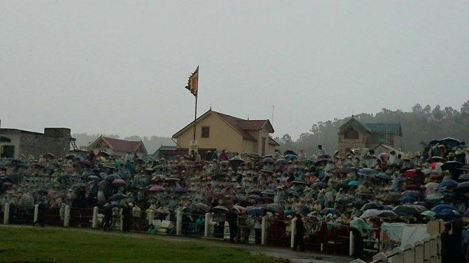 Hàng ngàn người đổ về Lễ hội chọi trâu Đồ Sơn 2014