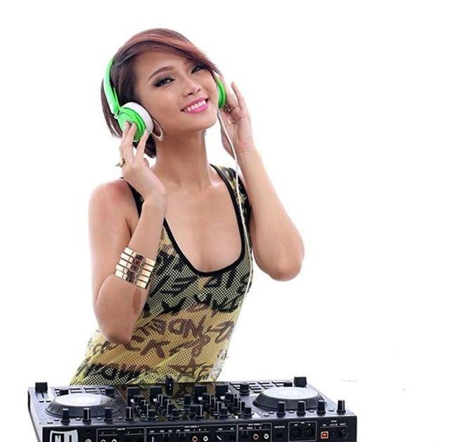 """Những nữ DJ xinh đẹp, bốc lửa nhất trong đêm """"Hòa âm ánh sáng"""" - Ảnh 9"""