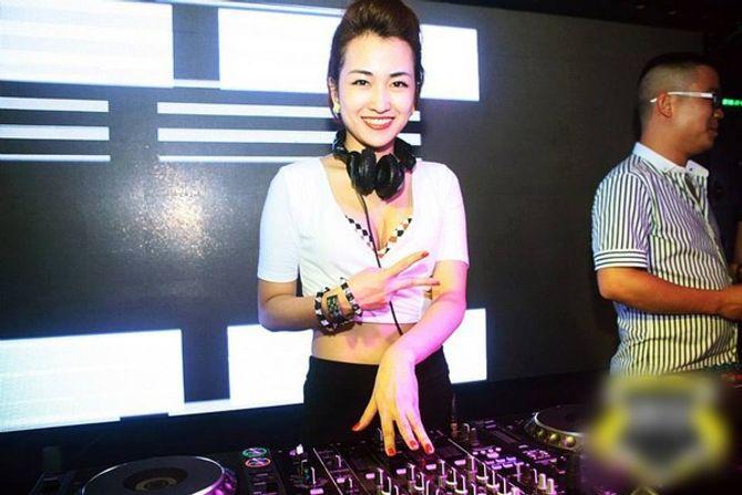 """Những nữ DJ xinh đẹp, bốc lửa nhất trong đêm """"Hòa âm ánh sáng"""" - Ảnh 6"""