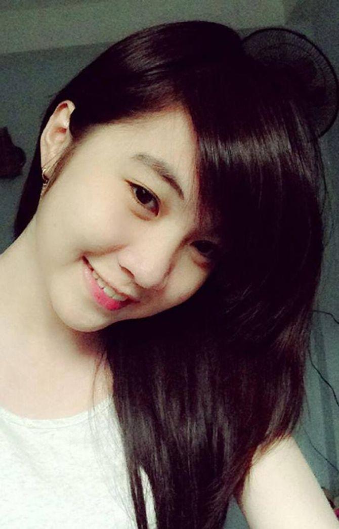 Theo như chia sẻ, Huỳnh Như là cô gái cá tính, thẳng thắn và mê rap từ hồi  bé. Cô thường được mọi người gọi bằng nickname dễ thương là Như Hexi.