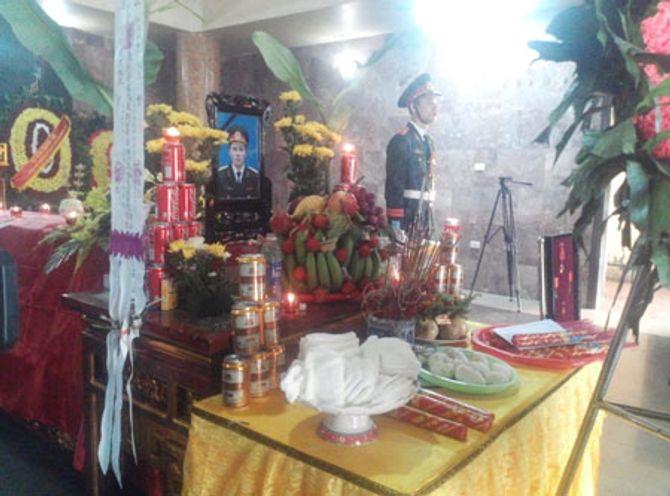 Vụ máy bay rơi: Tiễn đưa thượng úy Nguyễn Hoàng Anh về đất mẹ