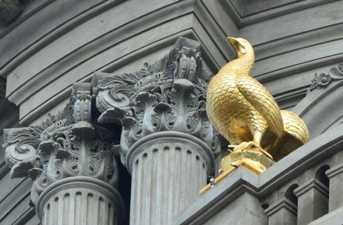 Lâu đài gắn 6 con gà dát vàng của đại gia Cầu Giấy - Ảnh 6