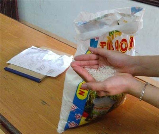 Thực hư chuyện gạo chuyển màu xanh, nghi tẩm hóa chất độc hại - Ảnh 1